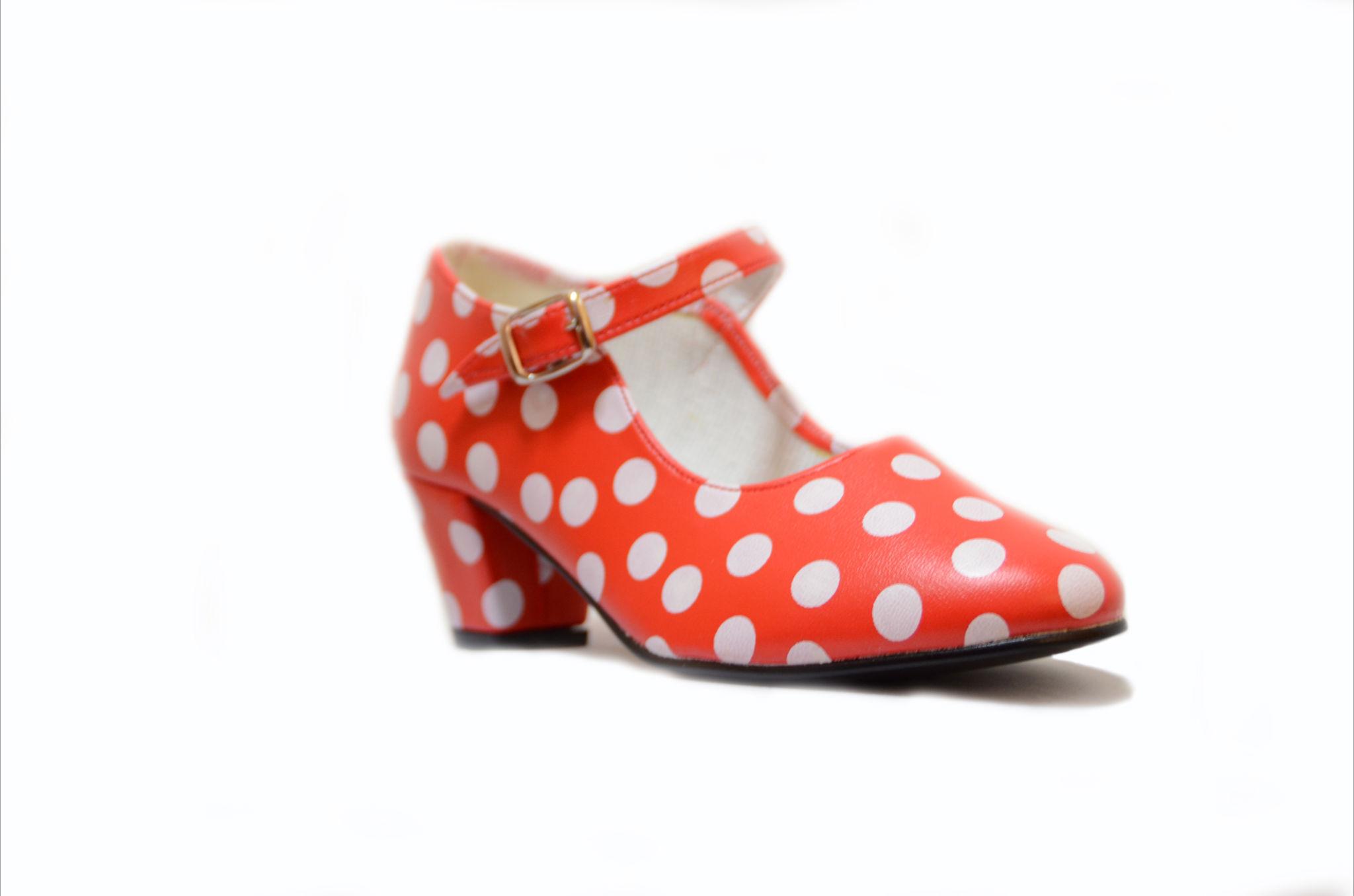 zapato baile lunares
