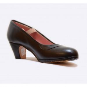 Zapato flamenco piel negro con goma y clavos