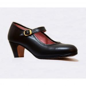 Zapato flamenco piel profesional con clavos y hebilla.